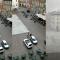 Riva del Garda: sedie dei bar in centro spazzati via dalla furia del temporale